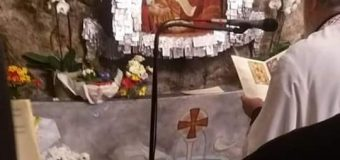 Το Pelops Land Travel στο εκκλησάκι των Αγίων Ισιδώρων στο Λυκαβηττό